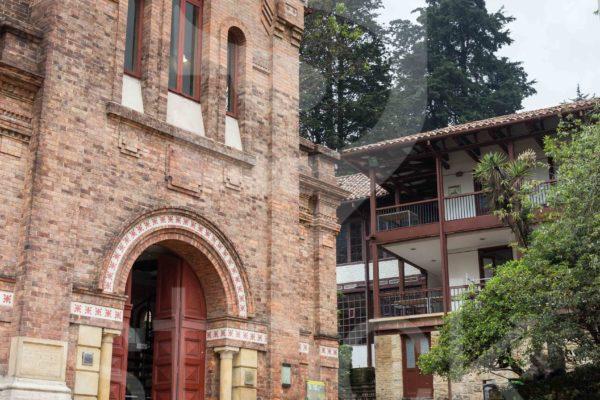 biblioteca universidad de los andes bogota colombia