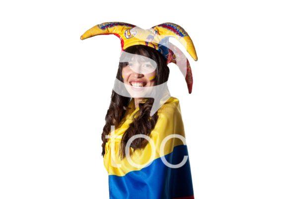 Aficionada de colombia, feliz con un sombrero.