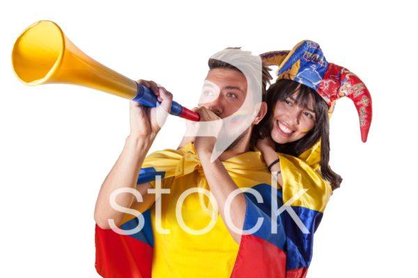 Aficionados apoyando a la selección colombia.